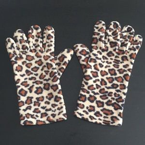 Fleece leopard gloves